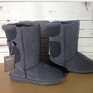 NWT Bearpaw Stella Boots